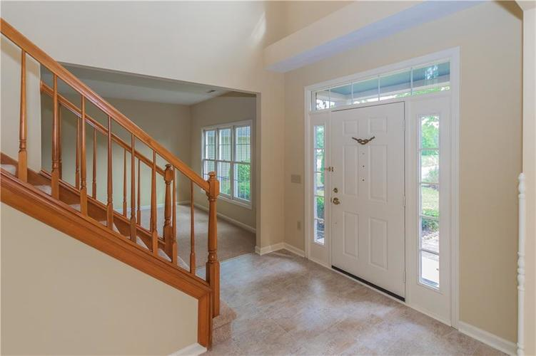 10936 EATON Court Fishers, IN 46038 | MLS 21671097 | photo 3