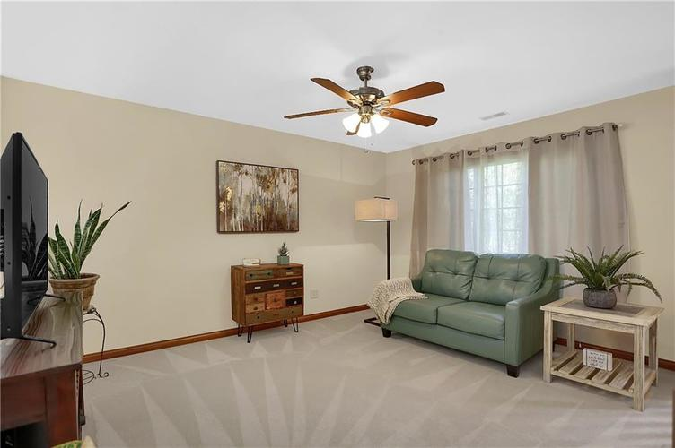 68 Campbell Road Greenwood, IN 46143 | MLS 21671108 | photo 24