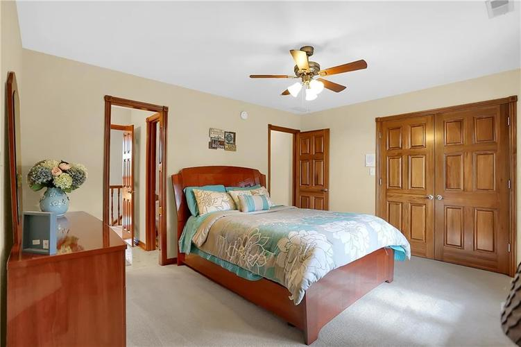 68 Campbell Road Greenwood, IN 46143 | MLS 21671108 | photo 25