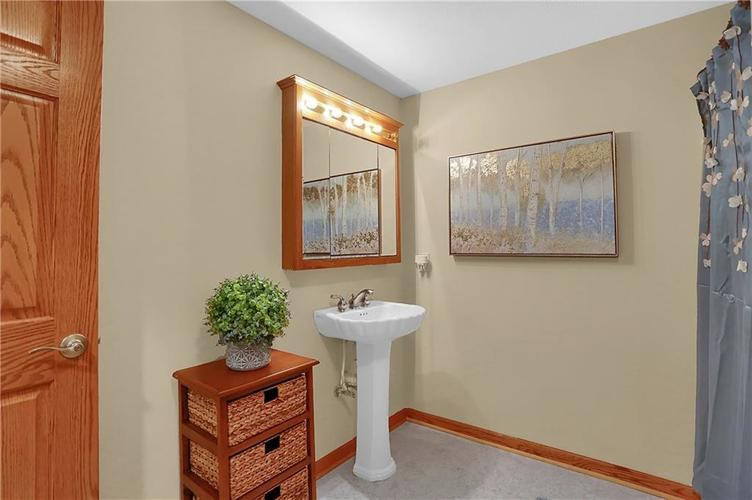 68 Campbell Road Greenwood, IN 46143 | MLS 21671108 | photo 39