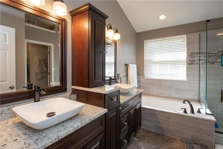 8385 PROVIDENCE Drive Fishers, IN 46038 | MLS 21671220 | photo 13
