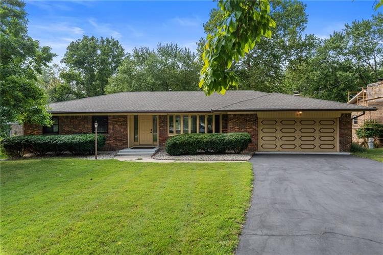 570 S Park Drive Greenfield, IN 46140 | MLS 21671409