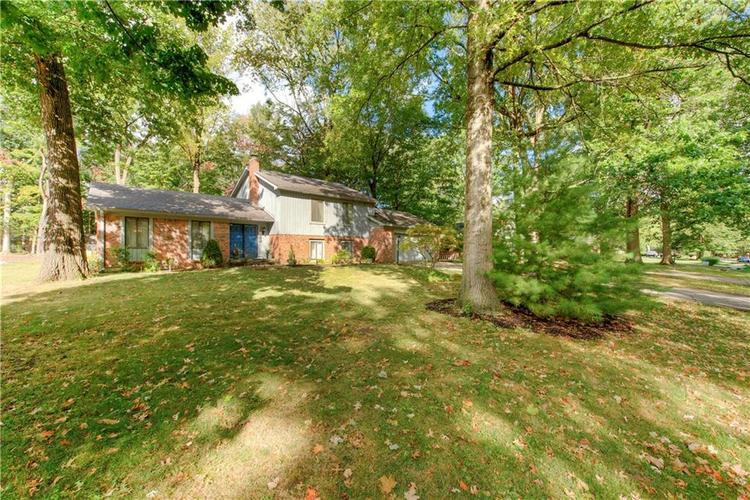 420 Woodland West Drive Greenfield IN 46140 | MLS 21671414 | photo 1