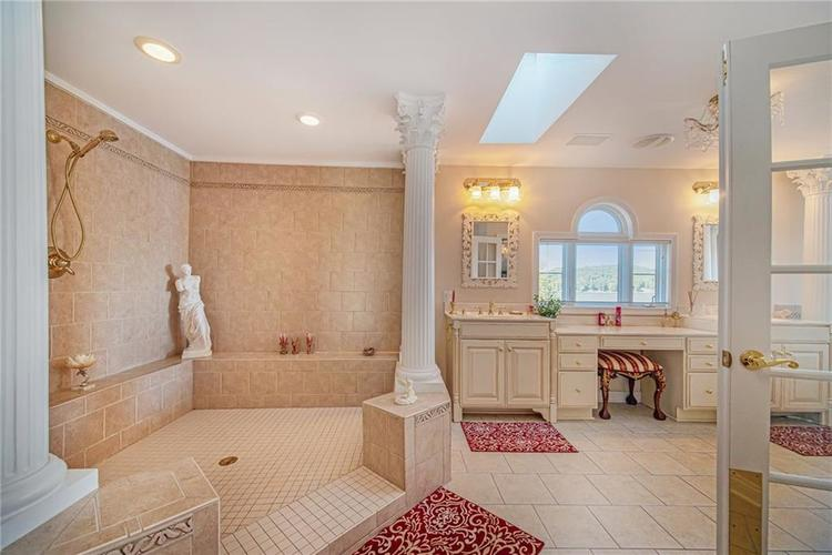 7740 N Lakeview Drive Unionville, IN 47468 | MLS 21671465 | photo 27