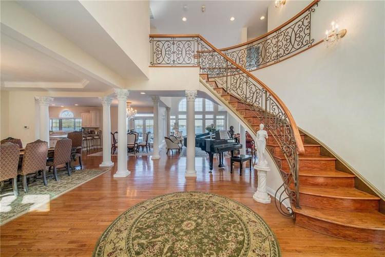 7740 N Lakeview Drive Unionville, IN 47468 | MLS 21671465 | photo 5