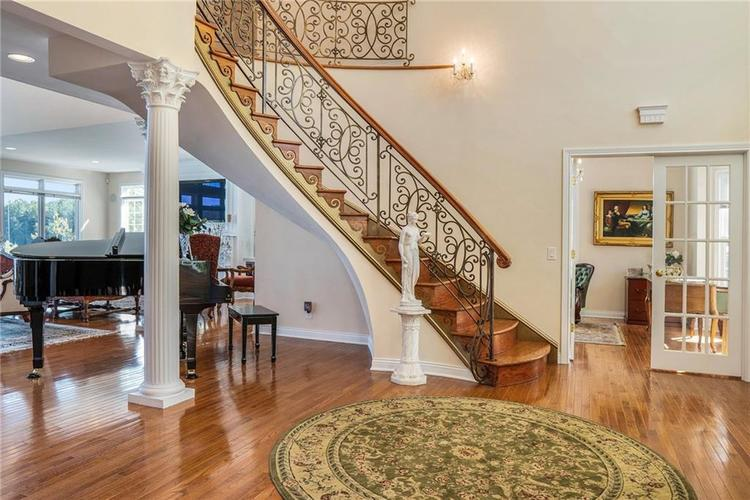 7740 N Lakeview Drive Unionville, IN 47468 | MLS 21671465 | photo 6