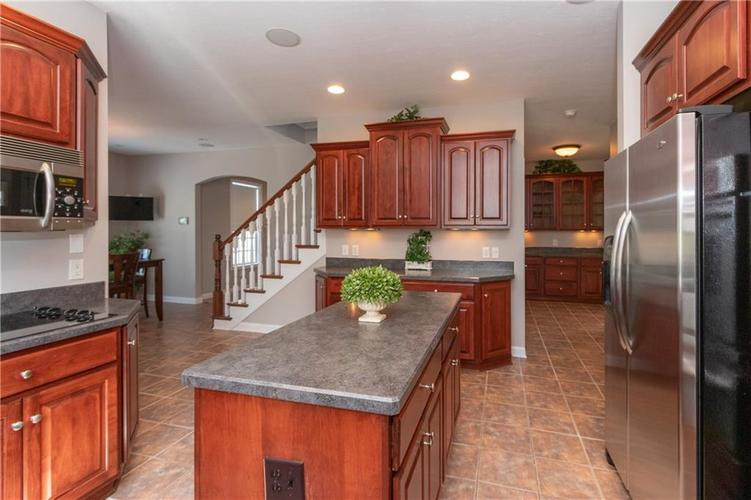 2680 S Hillview Drive New Palestine, IN 46163 | MLS 21671513 | photo 13