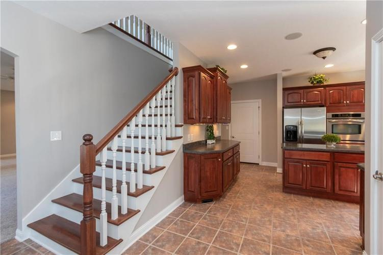 2680 S Hillview Drive New Palestine, IN 46163 | MLS 21671513 | photo 17