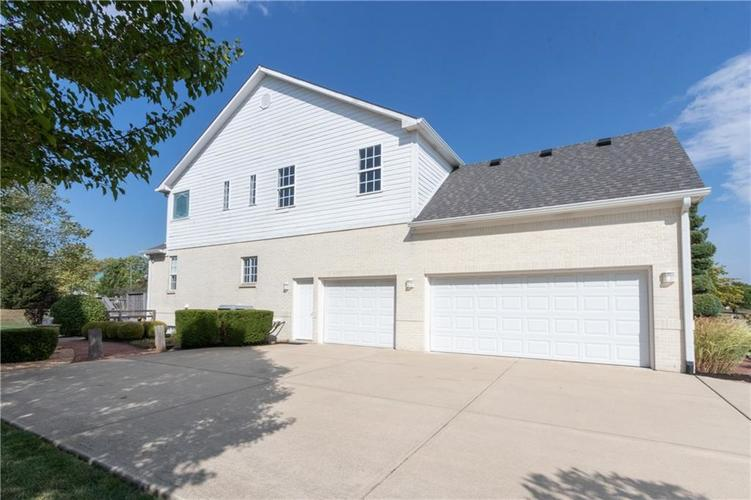 2680 S Hillview Drive New Palestine, IN 46163 | MLS 21671513 | photo 43