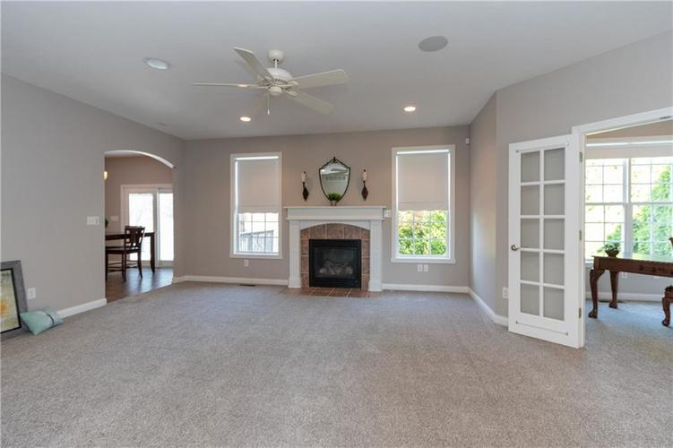 2680 S Hillview Drive New Palestine, IN 46163 | MLS 21671513 | photo 6