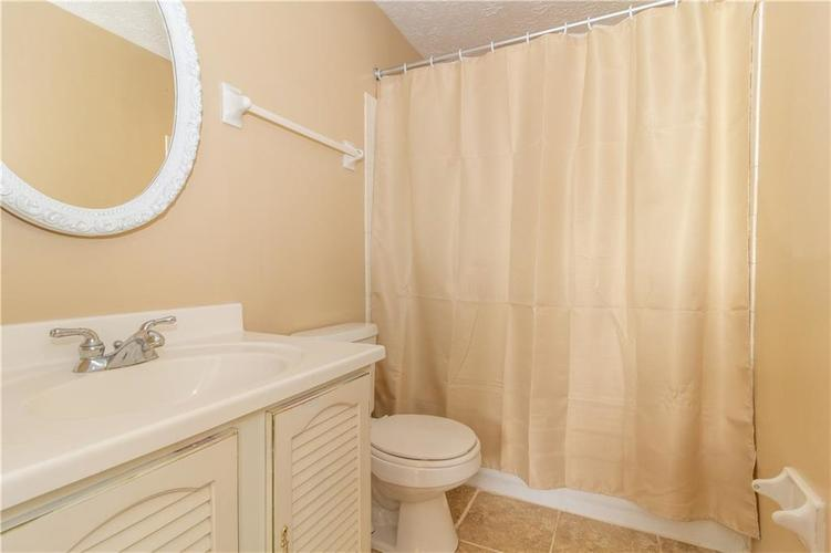 9428 Thornwood Drive Indianapolis, IN 46250   MLS 21671546   photo 15