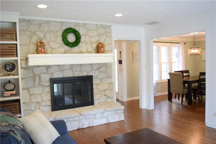 9804 Lakewood Drive Zionsville, IN 46077 | MLS 21671572 | photo 15