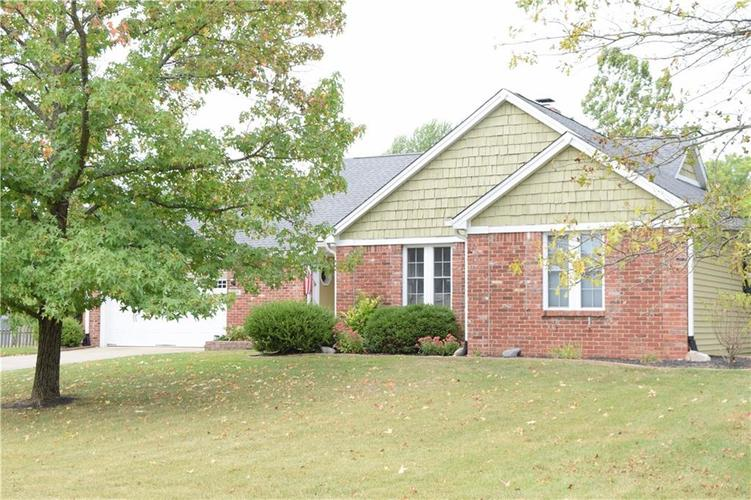 9804 Lakewood Drive Zionsville, IN 46077 | MLS 21671572 | photo 3