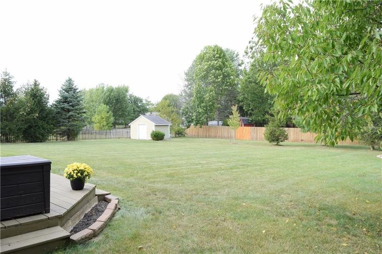 9804 Lakewood Drive Zionsville, IN 46077 | MLS 21671572 | photo 32