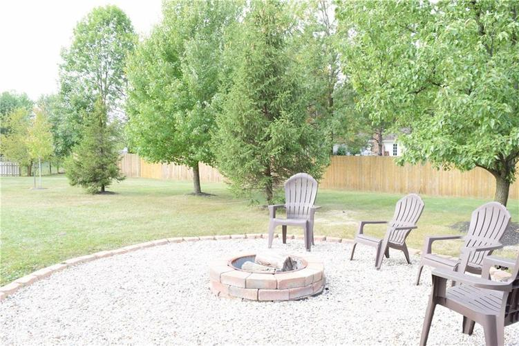 9804 Lakewood Drive Zionsville, IN 46077 | MLS 21671572 | photo 33
