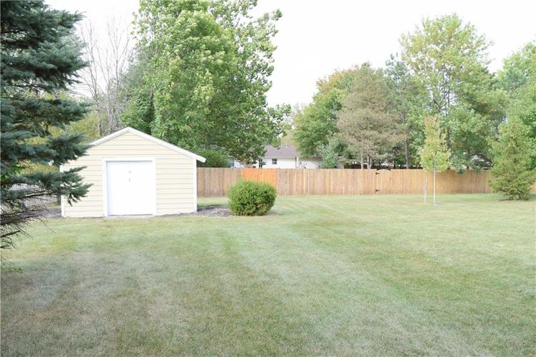 9804 Lakewood Drive Zionsville, IN 46077 | MLS 21671572 | photo 34