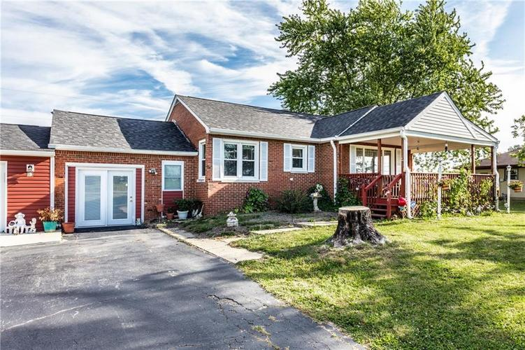 804 W US Highway 52 Fountaintown, IN 46130 | MLS 21671599 | photo 3
