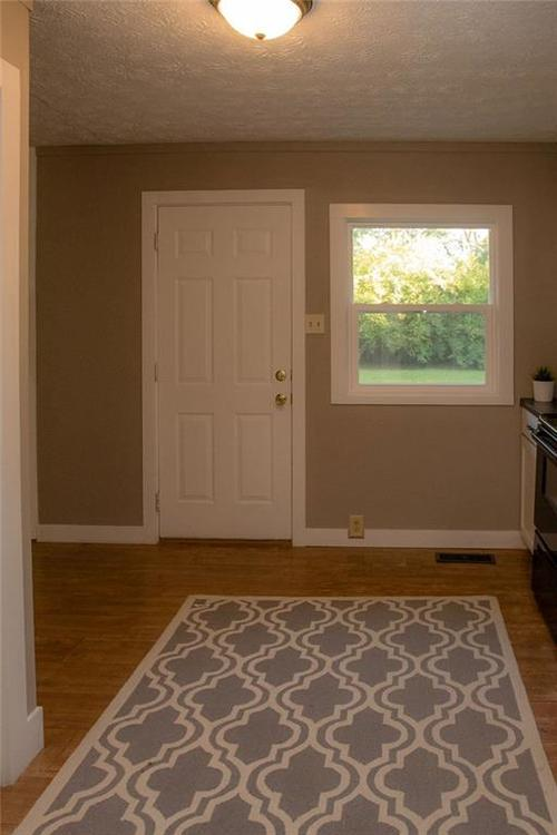 230 E 106th Street Indianapolis, IN 46280 | MLS 21671682 | photo 16