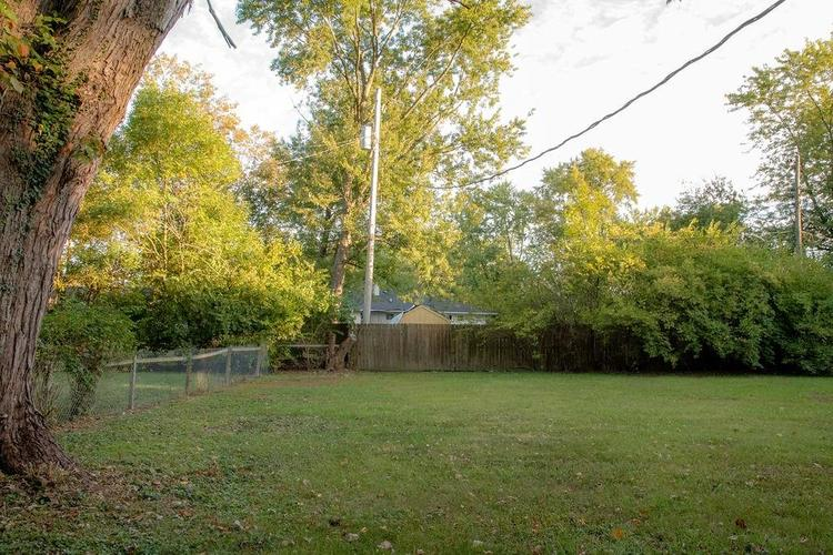 230 E 106th Street Indianapolis, IN 46280 | MLS 21671682 | photo 3