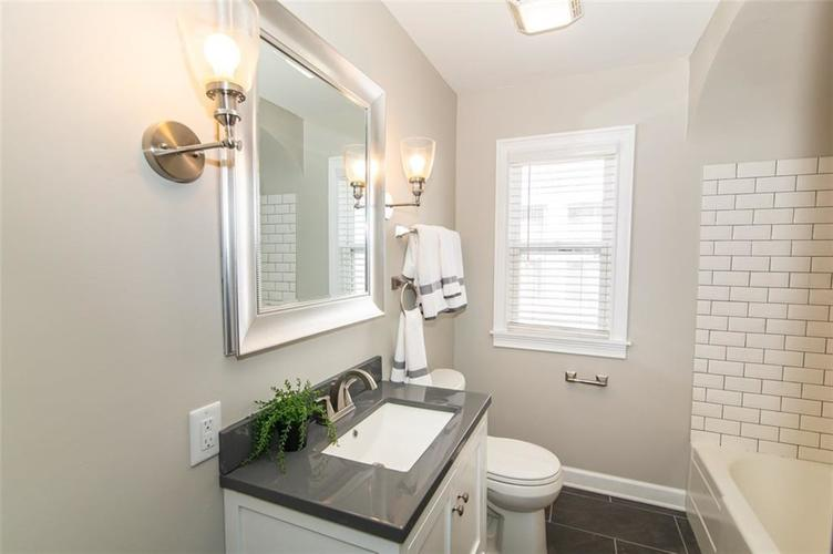 1221 WALLACE Avenue Indianapolis, IN 46201 | MLS 21671694 | photo 24