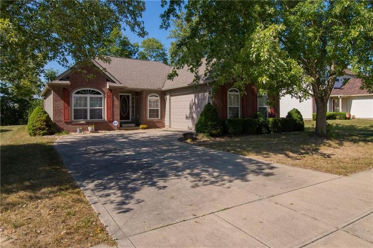 1712 Turning Leaf Drive Franklin, IN 46131 | MLS 21671928 | photo 1
