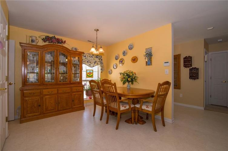 1712 Turning Leaf Drive Franklin, IN 46131 | MLS 21671928 | photo 11