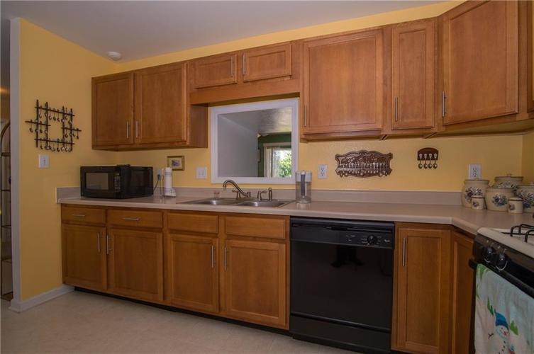 1712 Turning Leaf Drive Franklin, IN 46131 | MLS 21671928 | photo 12