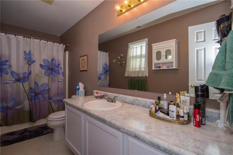 1712 Turning Leaf Drive Franklin, IN 46131 | MLS 21671928 | photo 19