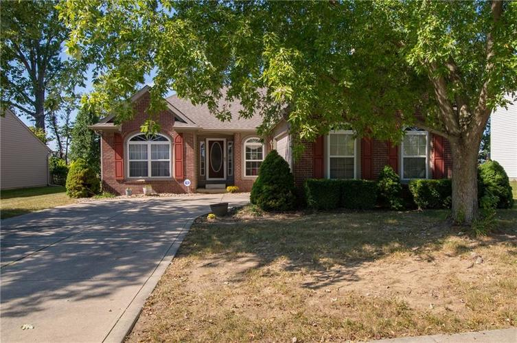 1712 Turning Leaf Drive Franklin, IN 46131 | MLS 21671928 | photo 2
