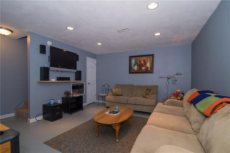 1712 Turning Leaf Drive Franklin, IN 46131 | MLS 21671928 | photo 20