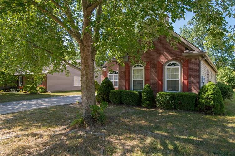 1712 Turning Leaf Drive Franklin, IN 46131 | MLS 21671928 | photo 3