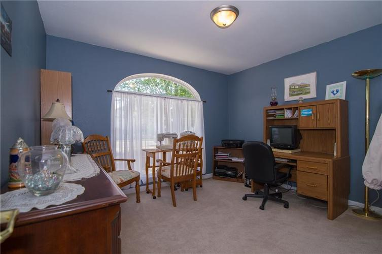 1712 Turning Leaf Drive Franklin, IN 46131 | MLS 21671928 | photo 6