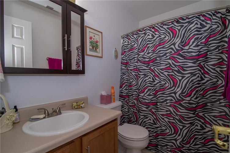 1712 Turning Leaf Drive Franklin, IN 46131 | MLS 21671928 | photo 7