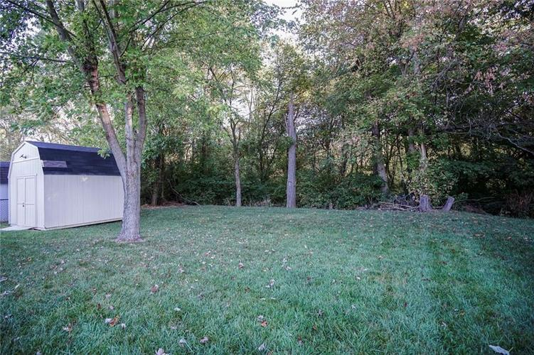 5202 Milhouse Road Indianapolis, IN 46221 | MLS 21672025 | photo 22