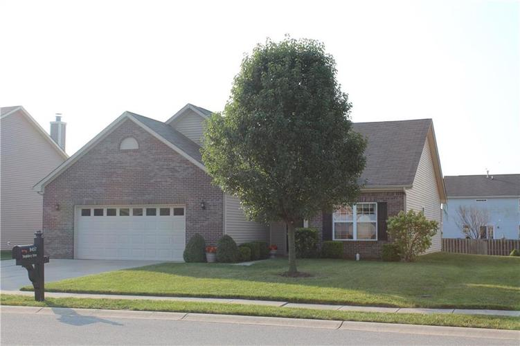 8457 Templederry Drive Brownsburg, IN 46112 | MLS 21672109 | photo 2