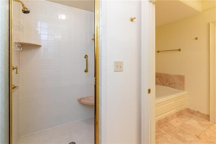 7914 Beaumont Green W Indianapolis, IN 46250 | MLS 21672134 | photo 22