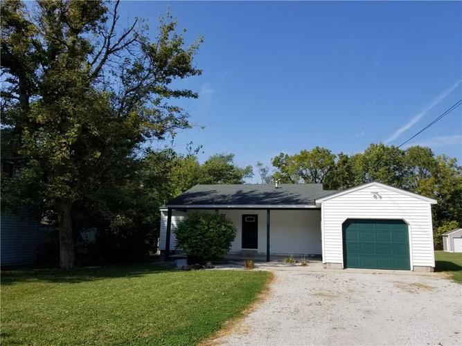 5496 S Greenfield Street Fountaintown, IN 46130 | MLS 21672139 | photo 1