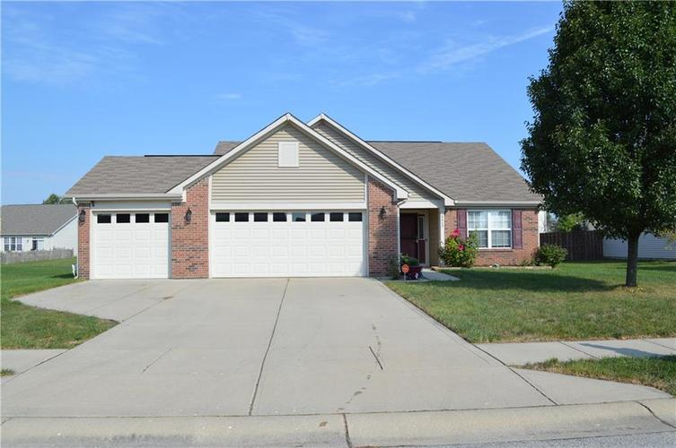 8460  Templederry Drive Brownsburg, IN 46112 | MLS 21672156