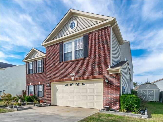 794  Country Gate Drive New Whiteland, IN 46184 | MLS 21672226