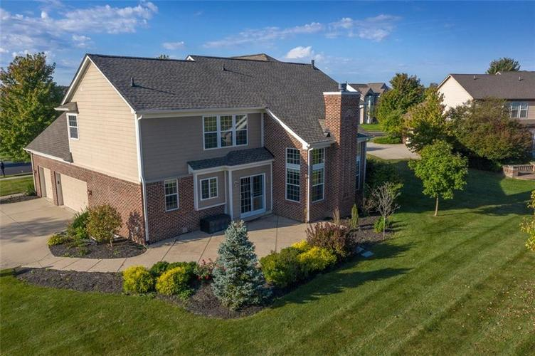 11721 Bennettwood Place Zionsville, IN 46077 | MLS 21672238 | photo 2