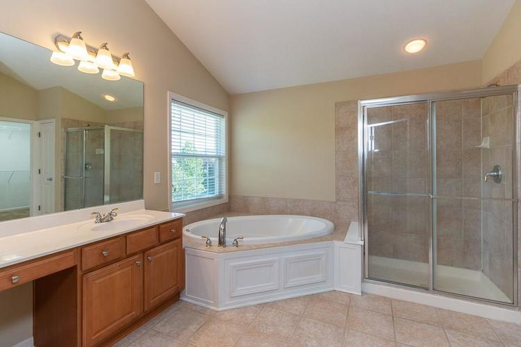 11721 Bennettwood Place Zionsville, IN 46077 | MLS 21672238 | photo 26