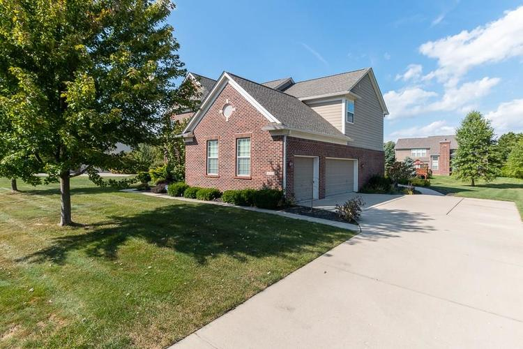 11721 Bennettwood Place Zionsville, IN 46077 | MLS 21672238 | photo 3