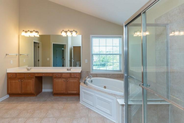 11721 Bennettwood Place Zionsville, IN 46077 | MLS 21672238 | photo 31