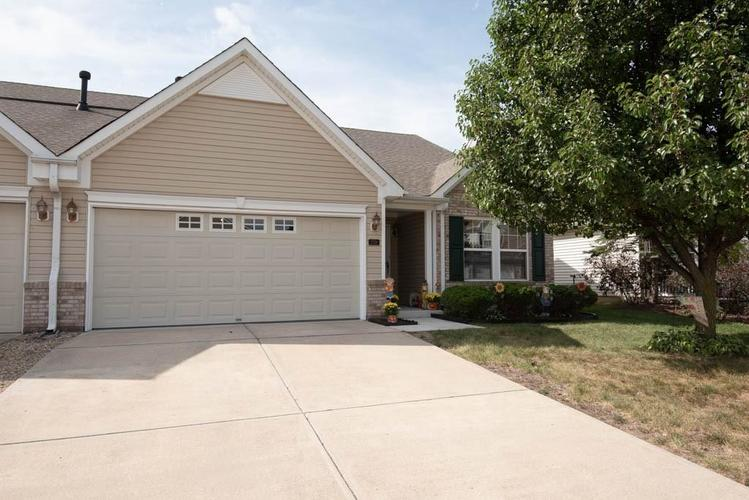 2758  CADOGAN Drive Greenwood, IN 46143 | MLS 21672246