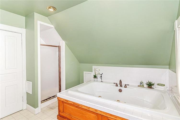 1536 E Ohio Street Indianapolis, IN 46201 | MLS 21672247 | photo 27