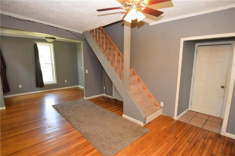 212 W Union Street Waynetown, IN 47990 | MLS 21672504 | photo 2