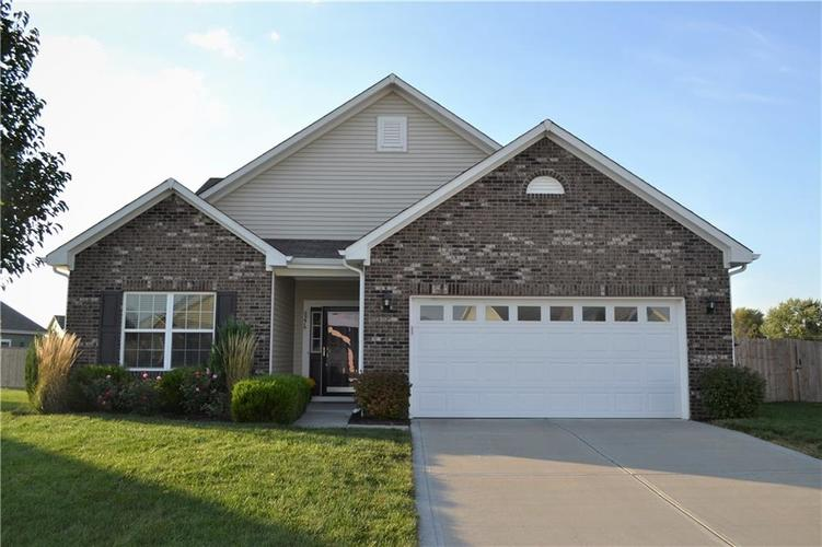 8276 Templederry Drive Brownsburg, IN 46112 | MLS 21672600 | photo 1