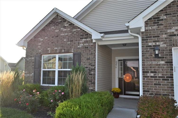 8276 Templederry Drive Brownsburg, IN 46112 | MLS 21672600 | photo 2