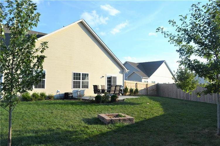 8276 Templederry Drive Brownsburg, IN 46112 | MLS 21672600 | photo 20