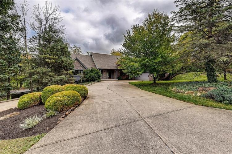 8621 Bay Colony Drive Indianapolis IN 46234 | MLS 21672710 | photo 1